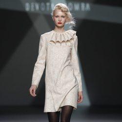Vestido nude de la colección otoño/invierno 2012/2013 de Devota y Lomba en la Fashion Week Madrid