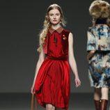 Vestido rojo de Victorio & Lucchino en Fashion Week Madrid