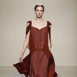 Vestido marrón de la colección otoño/invierno 2012/2013 de Ailanto