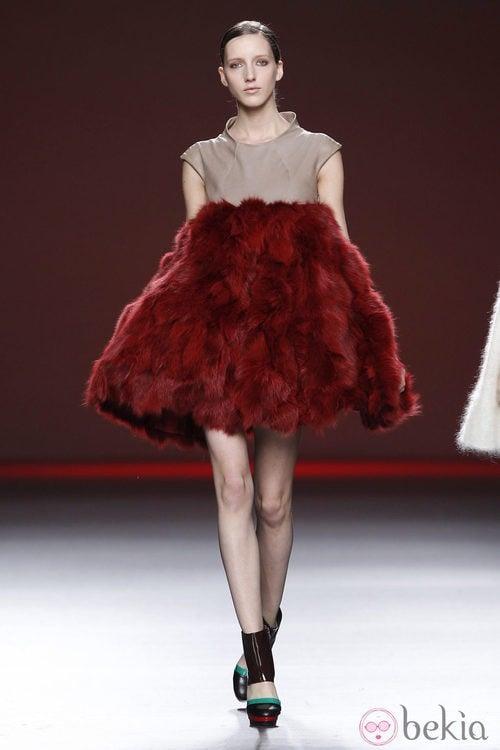 Vestido voluminoso de pelo de la colección otoño/invierno 2012/2013 de Amaya Arzuaga