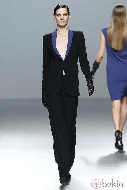 Traje chaqueta de Roberto Torretta en Fashion Week Madrid