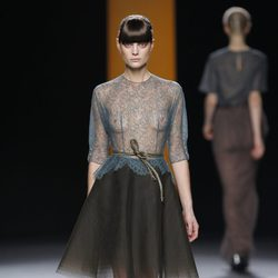 Camisa azul transparente de Juanjo Oliva en Fashion Week Madrid