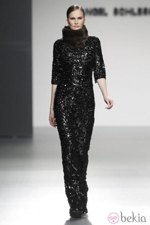 Vestido largo de paillettes de Ángel Schlesser en Fashion Week Madrid