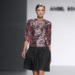 Camiseta de paillettes rosa de la colección otoño/invierno 2012/2013 de Ángel Schlesser