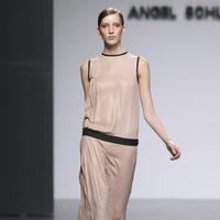 Vestido nude de la colección otoño/invierno 2012/2013 de Ángel Schlesser