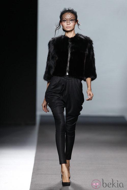 Chaqueta de pelo de Miguel Palacio en Fashion Week Madrid
