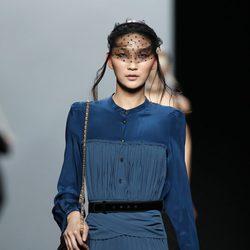 Vestido azul de la colección otoño/invierno 2012/2013 de Miguel Palacio