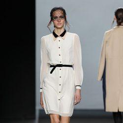 Vestido blanco de la colección otoño/invierno 2012/2013 de Miguel Palacio
