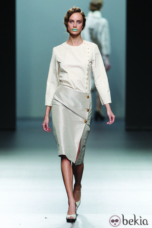 Top y falda de tubo en color nude de la colección otoño/invierno 2012/2013 Lemoniez