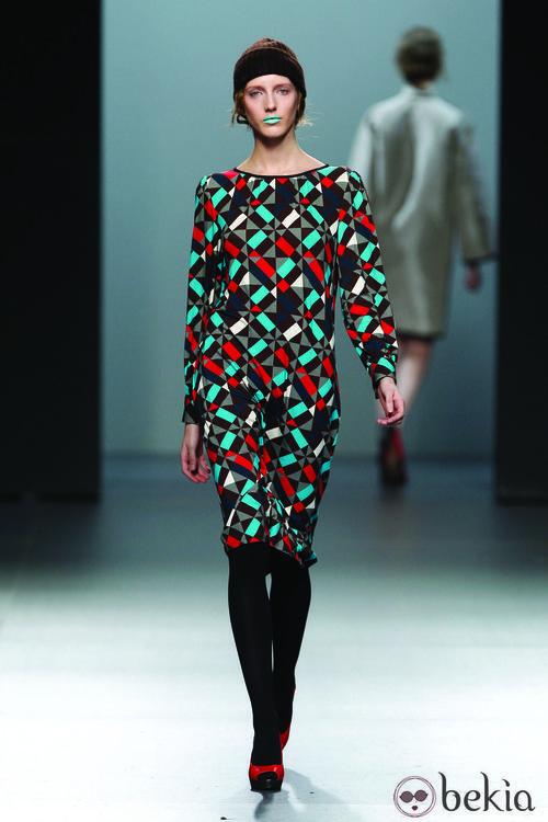 Vestido recto con estampado calendoscópico de la colección Otoño/Invierno 2012/2013 Lemoniez