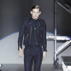 Original conjunto de cazadora, camisa y pantalón para hombre de la colección otoño/invierno 2012/2013 de Davidelfin