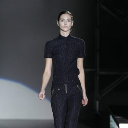 Mono negro estampado de Davidelfin en la Madrid Fashion Week