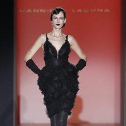 Vestido negro corto de la colección otoño/invierno 2012/2013 de Hannibal Laguna