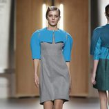 Vestido gris y azul pastel de Ana Locking en Fashion Week Madrid