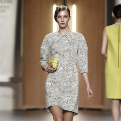 Vestido con estampado dálmata de Ana Locking en Fashion Week Madrid