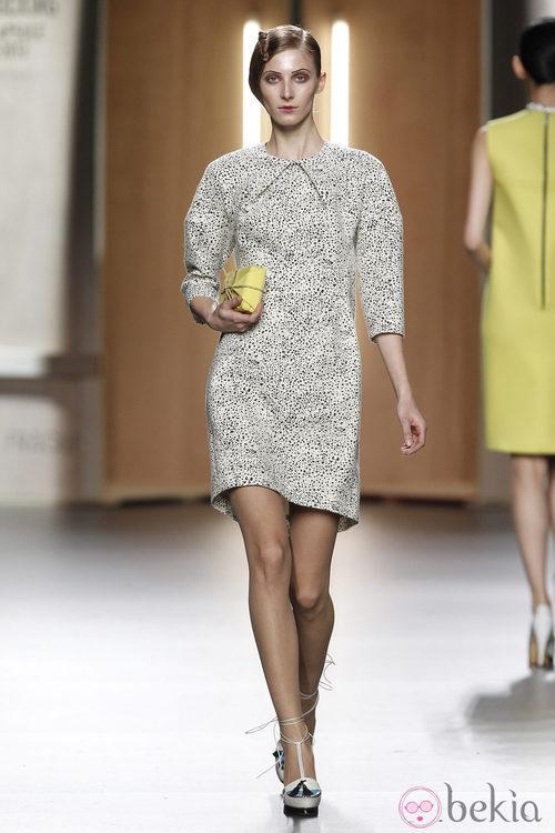 Vestido con estampado dálmata de Ana Locking en Fashion Week Madrid