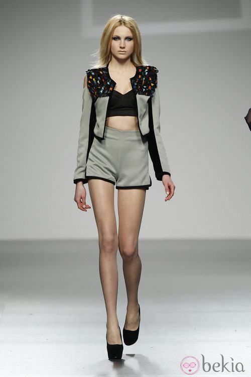 Torera y short en verde pastel de LE en 'El Ego' de Fashion Week Madrid