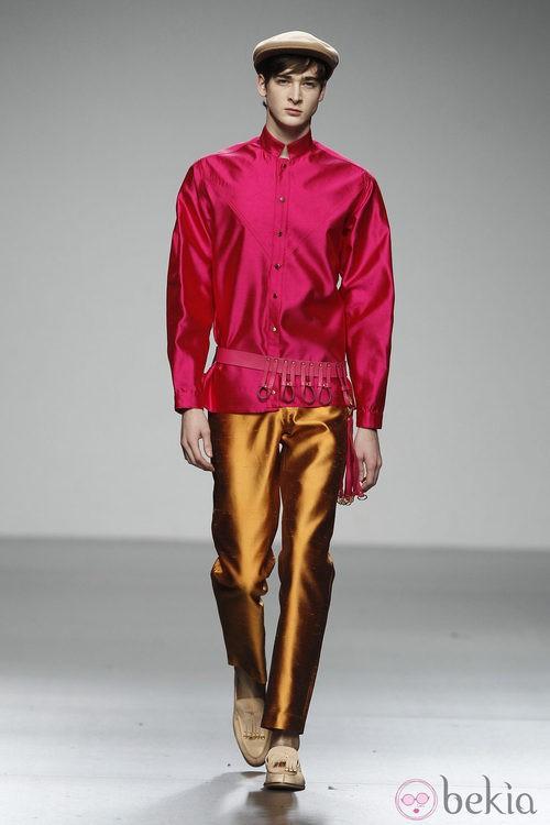 Diseño en seda rosa y dorada de Ixone Elzo en 'El Ego' de Fashion Week Madrid
