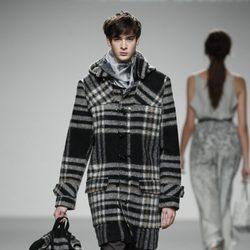 Chaquetón de hombre escocés de El colmillo de Morsa en 'El Ego' de Fashion Week Madrid