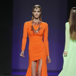 Vestido naranja de María Escoté en Madrid Fashion Week