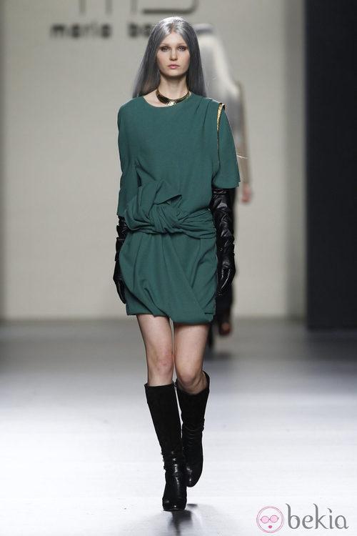 Vestido verde de María Barros en Madrid Fashion Week