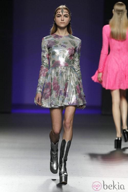 Vestido de charol de María Escoté en Fashion Week Madrid
