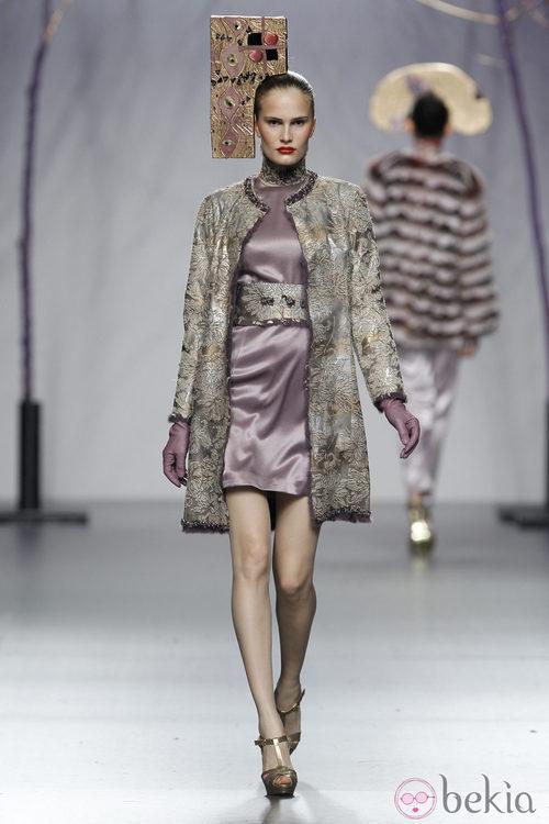 Mini vestido morado de la colección otoño/invierno 2012/2013 de Miguel Marinero