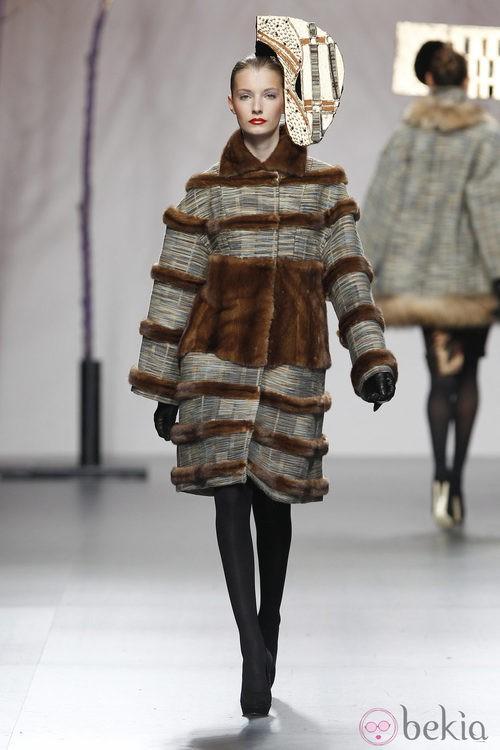 Abrigo de la colección otoño/invierno 2012/2013 de Miguel Marinero