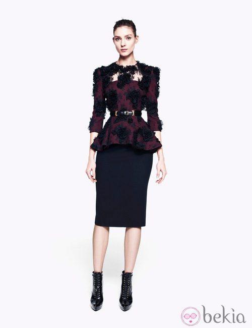 Falda lápiz negra de la colección pre-fall 2012 de Alexander McQueen