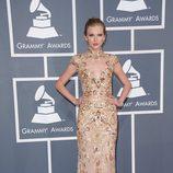 Taylor Swift con un vestido de Zuhair Murad en los Grammy 2012