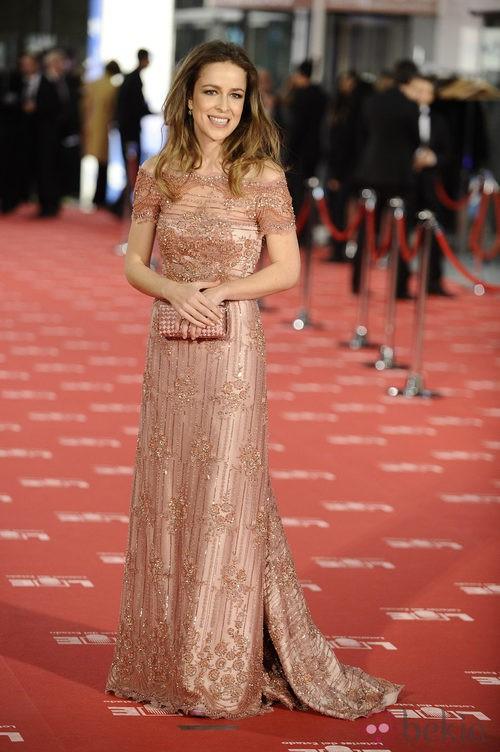 Silvia Abascal con vestido de Lorenzo Caprile en los Goya 2012