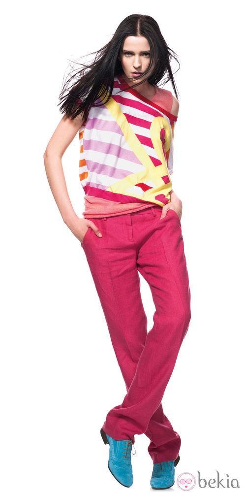 Pantalones fucsia de la nueva colección primavera/verano de benetton