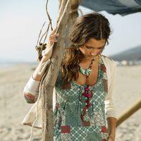 Vestido en tonos verdes y rojos de la nueva colección  primavera/verano de Indiwoman