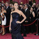 Penélope Cruz con vestido de Karl Lagerfeld en la gala de los Oscar del año 2008