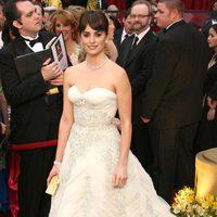 Penélope Cruz con vestido vintage de Pierre Balmain en la gala de los Oscar del año 2009