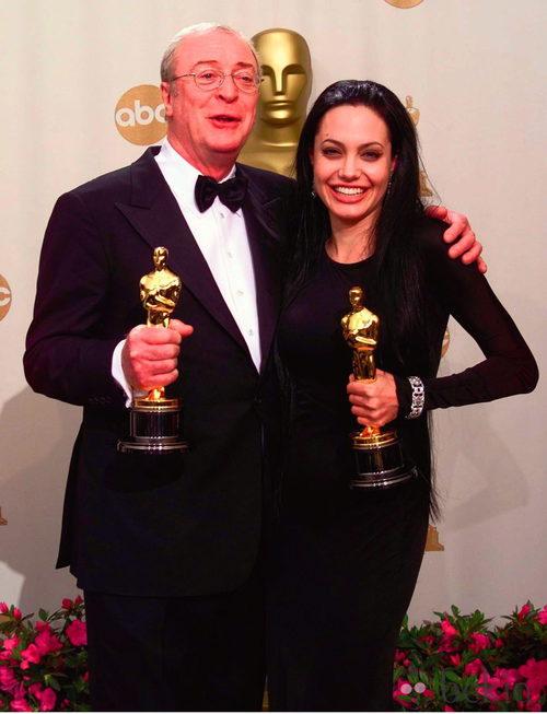 Angelina Jolie en la gala de los Oscar de 2000
