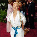 Uma Thurman vestida de Christian Lacroix en los Oscar