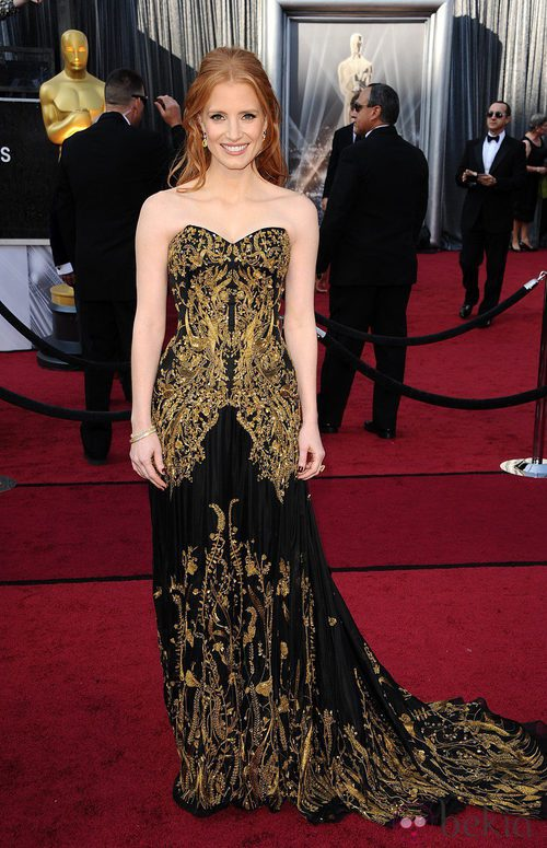 Jessica Chastain magnífica con un modelo de Alexander McQueen en los Oscar de 2012