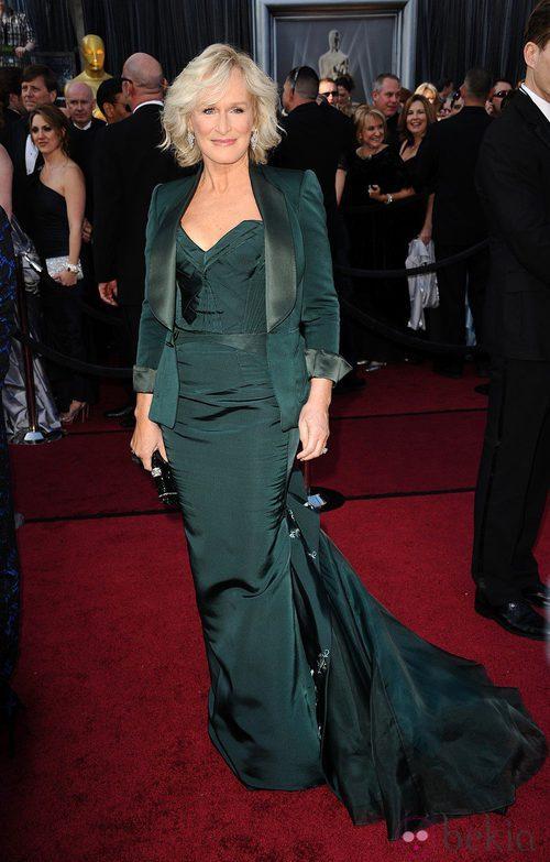 Glen Close con vestido y chaqueta turquesa en los Oscar de 2012