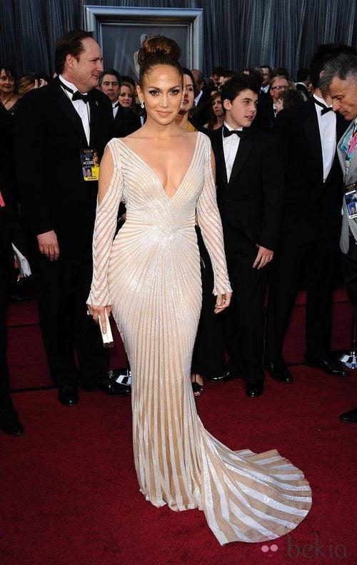 Jennifer Lopez llevó un modelo de Zuhair Murad para los Oscar de 2012