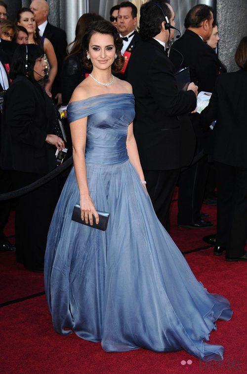 Penélope Cruz vistió de Armani en los premios Oscar 2012