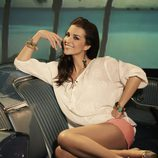 Paula Echevarría con shorts color coral para Suite Blanco