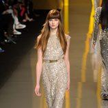 Vestido con corte sirena en acabado gliter de Elie Saab en la París Fashion Week