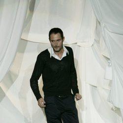 Josep Font tras su primer desfile en la psarela de Alta Costura de París en 2008
