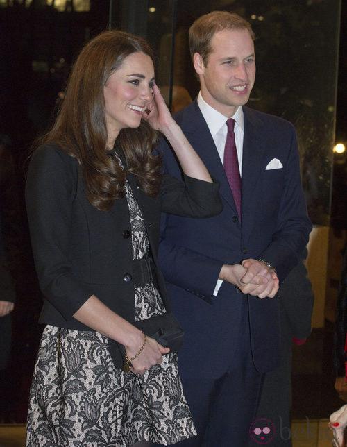 Kate Middleton con un vestido de encaje de Zara