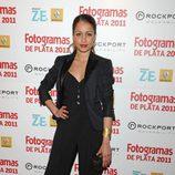 Hiba Abouk con traje pantalón negro en los Fotogramas de Plata 2011