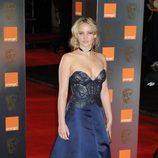 Jennifer Lawrence con vestido azul de Stella McCartney