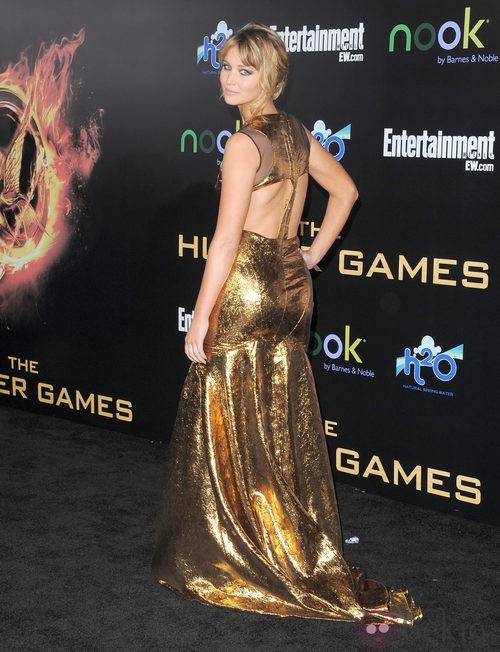 Parte de detrás del vestido dorado de Jennifer Lawrence