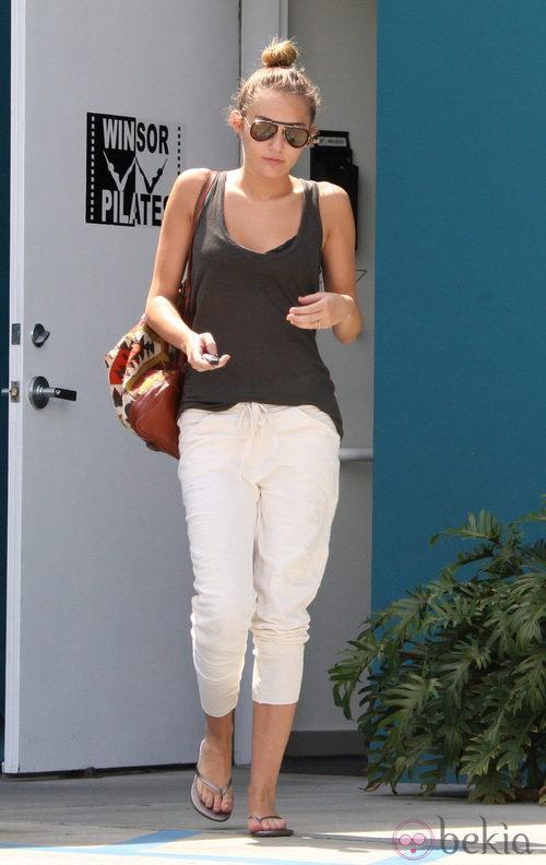 Miley Cyrus con look sport tras una clase de pilates