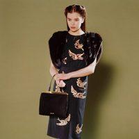 Hailee Steinfeld, la nueva elegancia de Miu Miu